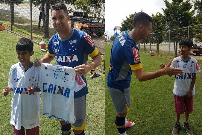 b0d97781e0 Garoto que pintou à mão camisa do Cruzeiro ganha o uniforme oficial ...