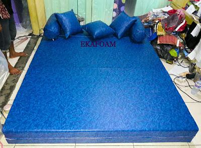 Sofa bed inoac sarung tahan air spon sintetic watterproof
