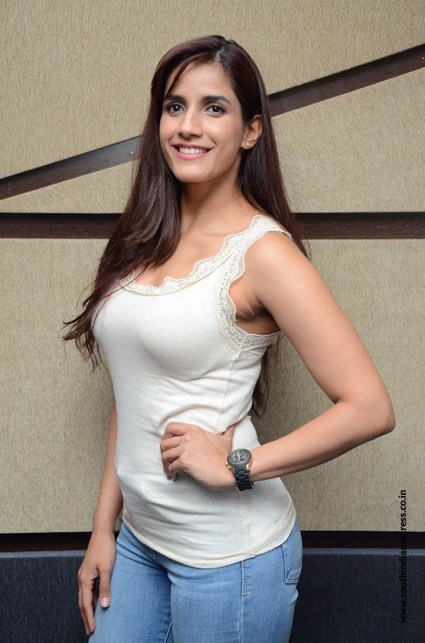 Ye Mantram Vesave actress Shivani Singh stills at movie Interview
