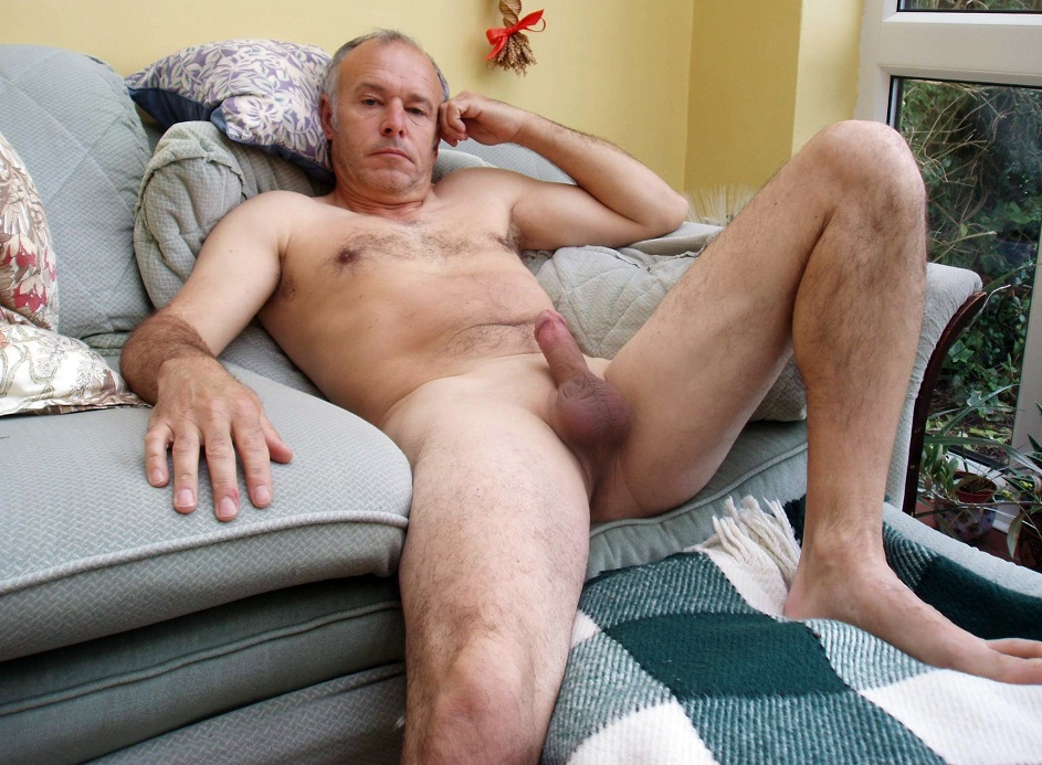 Old man nude photo 15