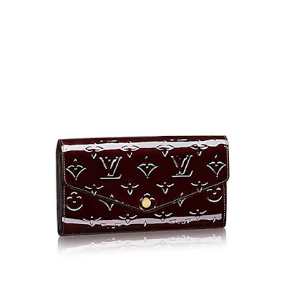 https://4.bp.blogspot.com/-7RNKWCtg5ag/V8jjzoAdZaI/AAAAAAAAAE4/83KOwEXO580Tbs8s14EoGbJJi74yWneZACLcB/s400/louis-vuitton-sarah-wallet-monogram-vernis-leather-small-leather-goods--M90152.jpg