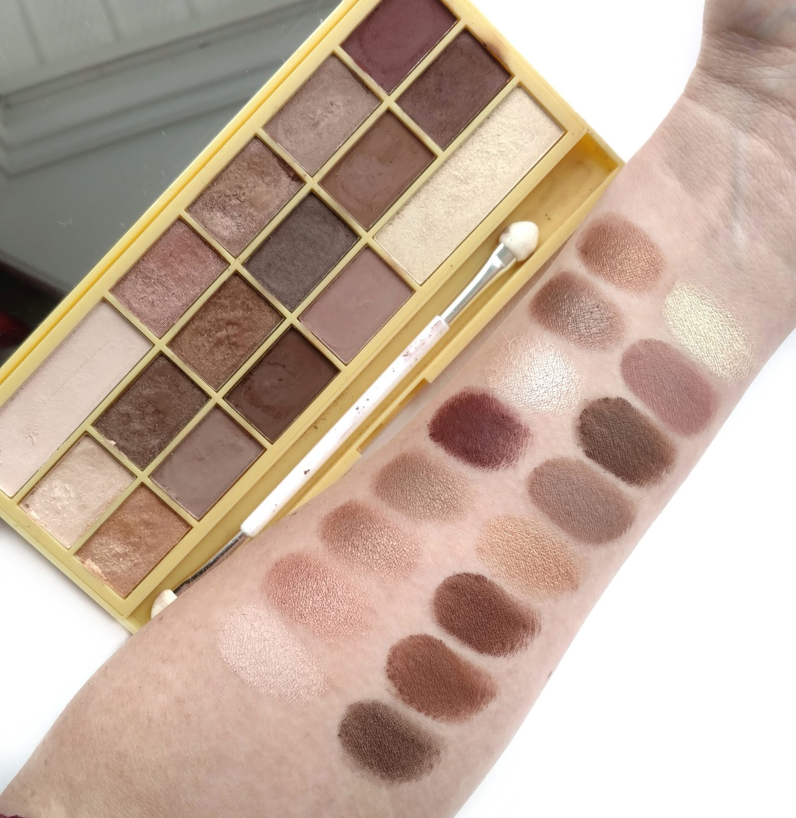 makeup revolution naked chocolate palette swatches
