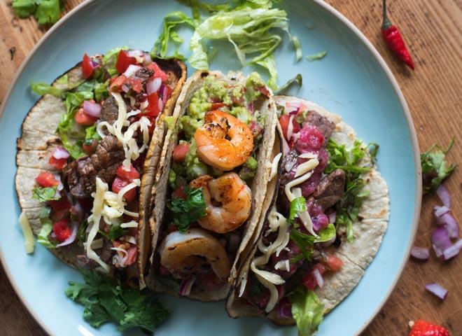 Tacos mit Rindfleisch oder Garnelen