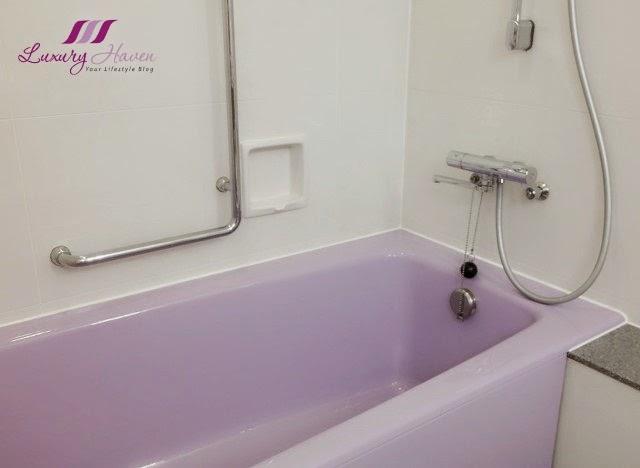 keio plaza hotel tokyo hello kitty bathtub