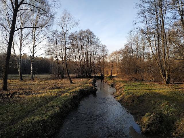 Измайловский парк. Река Серебрянка
