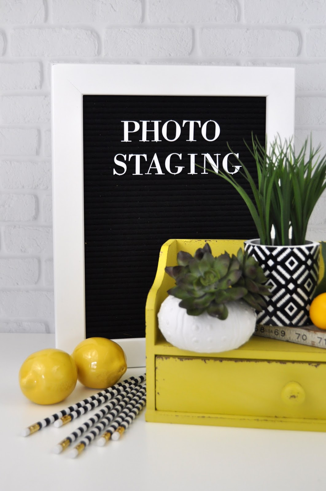 How to style a letterboard. Letterboard styles, options, and accessories. The best letterboards and how to use them. #letterboard #jengallacher #dcwv #heidiswapp