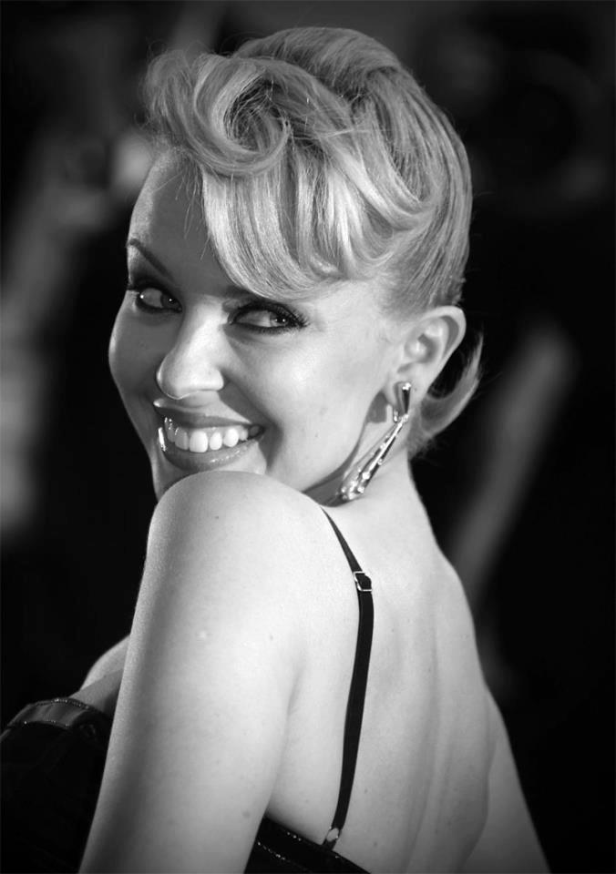 Watch All Upcoming Kylie Minogue Events LIVE On-line