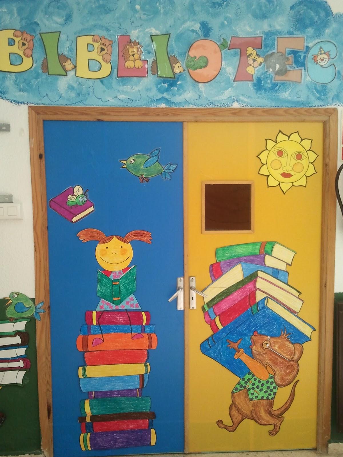Biblioteca escolar bibliotucci nueva decoraci n de la for Decoracion de puertas de colegio