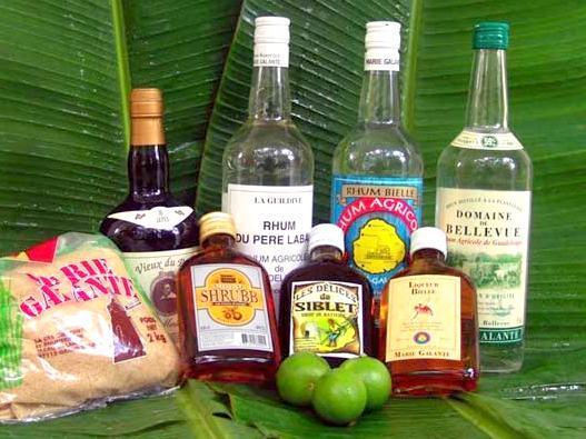 Les rhums de Guadeloupe avec sucre de canne et citrons vert