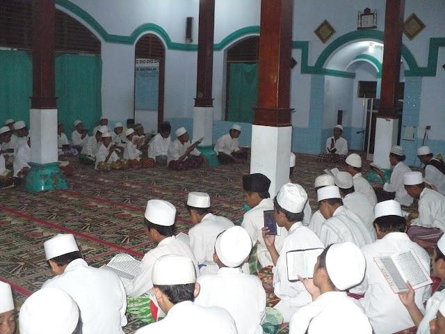 Pondok Pesantren, Tidak Hanya Full Day School tapi Full Years School