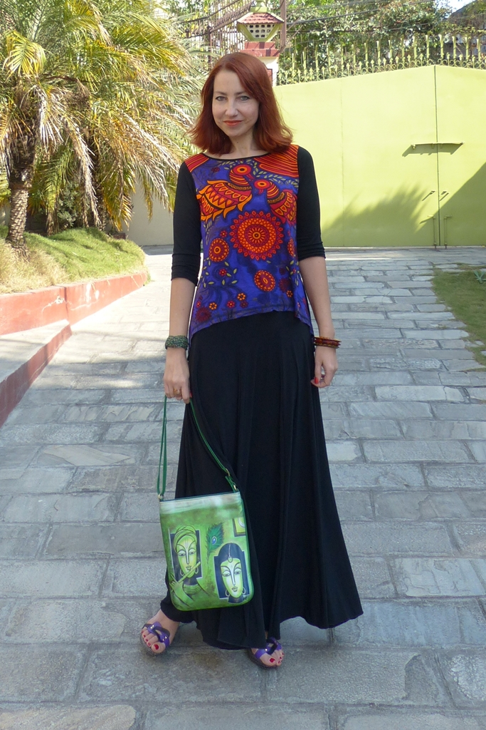 Printed top and black maxi skirt