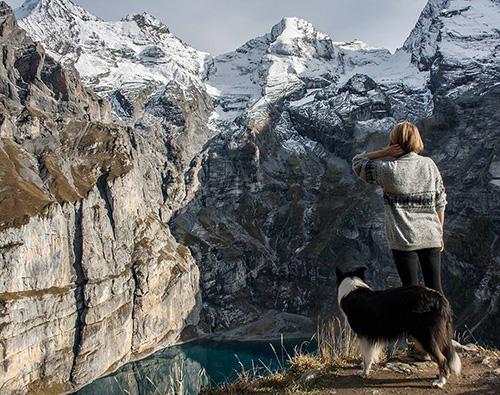 Blick auf Berge und See, Aplen
