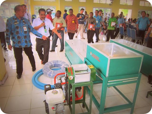 Pemerintah Pusat Berikan 2 Mesin Pengolahan Sagu untuk Masyarakat Sira dan Manggroholo