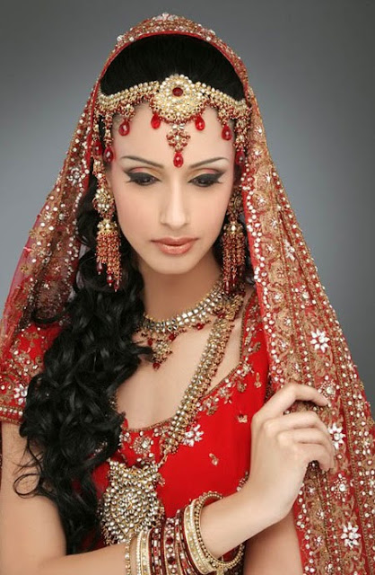 Best Indian Bridal Dresses for Bride