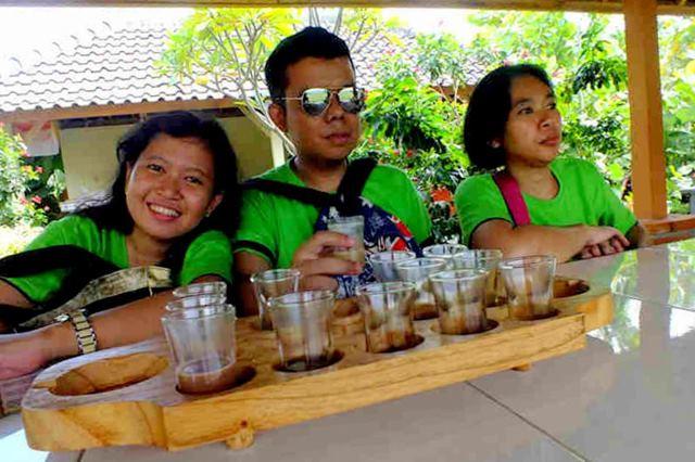 ruang menikmati di wisata kopi luwak Bali