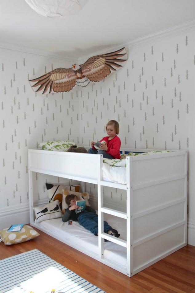 maternidad 10 ideas para personalizar kura la cama m s vers til de ikea de lunares y. Black Bedroom Furniture Sets. Home Design Ideas