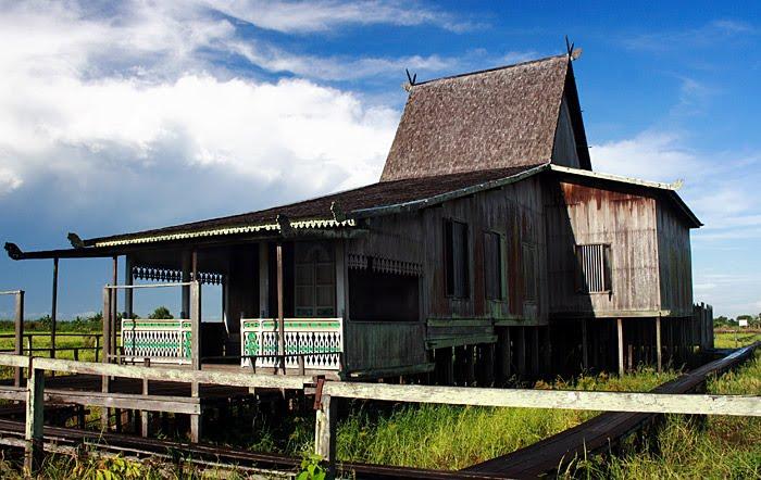 Rumah Tradisional Suku Banjar