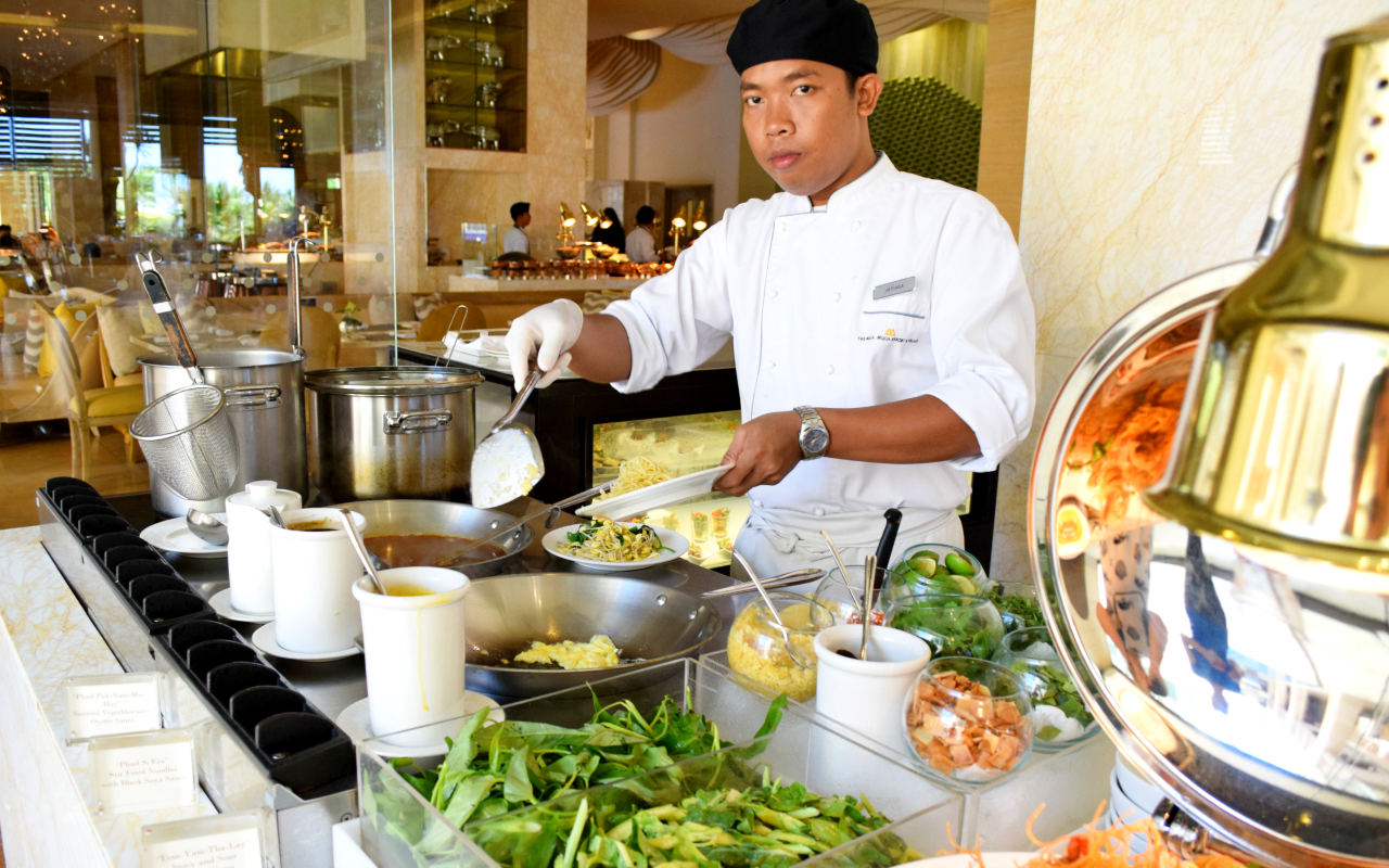 Bali Luxury Gourmet Experience on a Budget: The Cafe at The Mulia Review