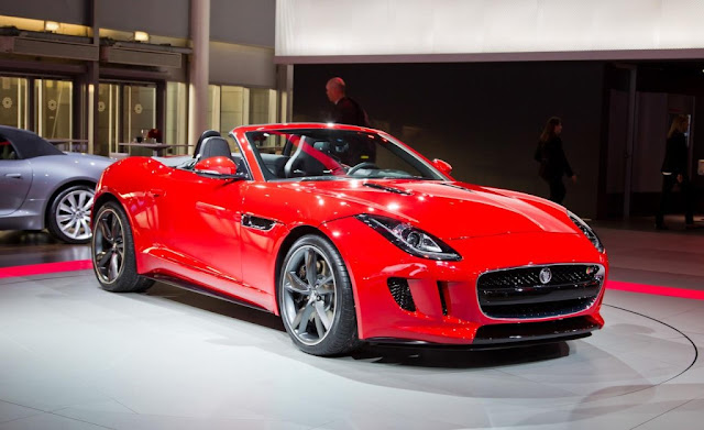 2013 Jaguar F-Type Roadster Front Angel