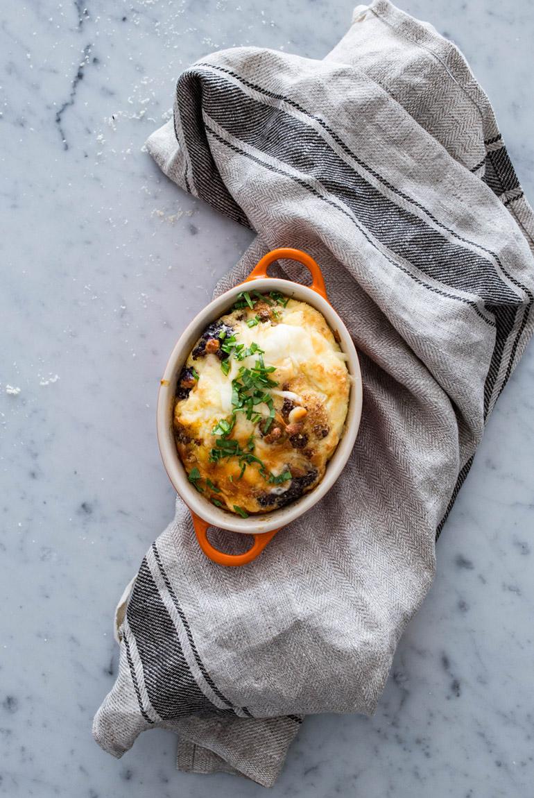 frittata-coliflor-amarilla-morada-en-cocotte-individual