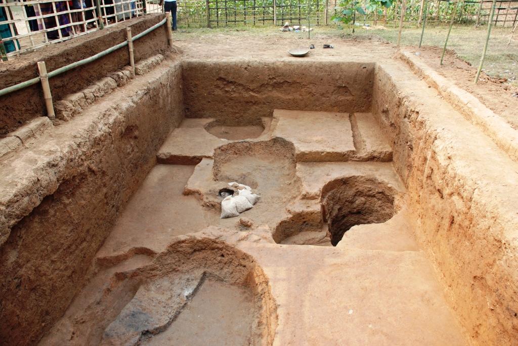 wari bateshwar ruins