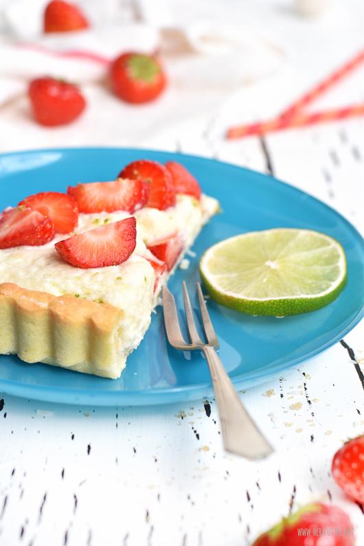 Raffaello-Kuchen mit Erdbeeren und Kokos