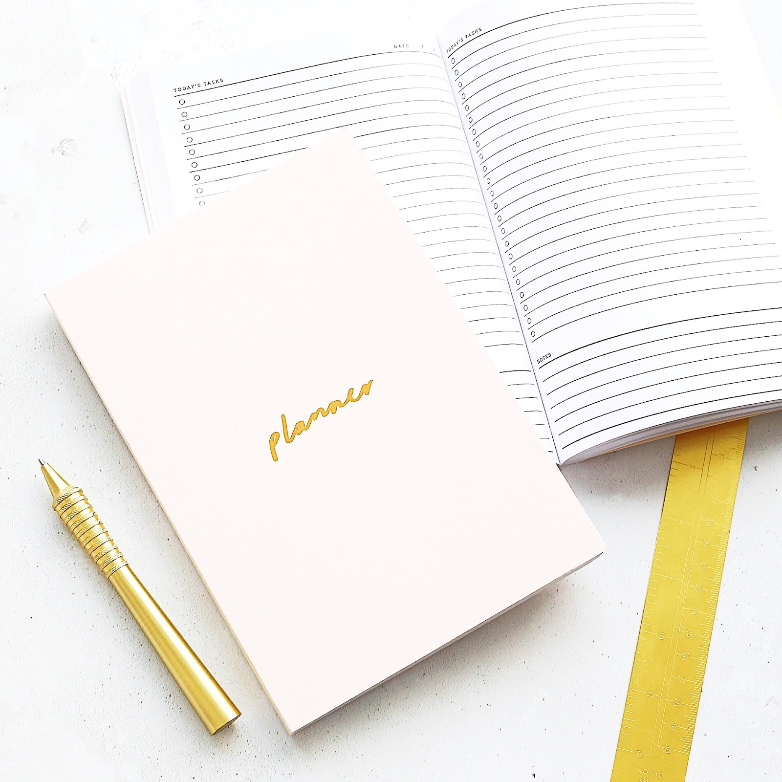 francisca rockey, lifestyle blogger, fitness blogger, beauty blogger, small blogger, brands, stationery
