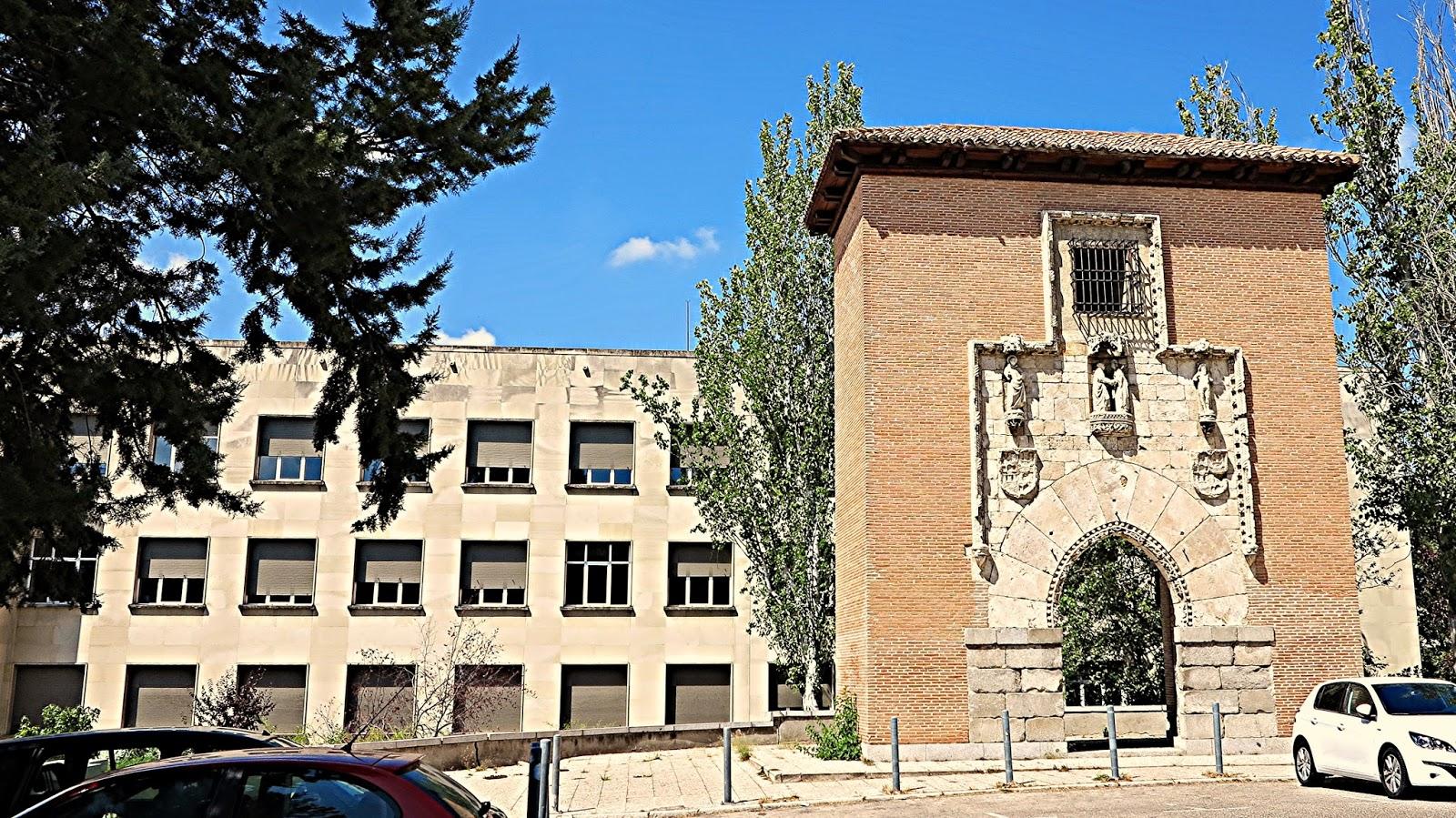 La ciudad universitaria de madrid la portada g tica - Ets arquitectura madrid ...