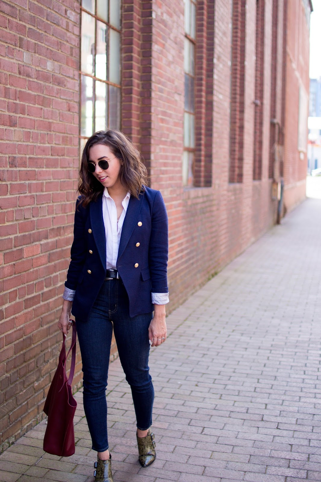 How to wear a double breasted blazer. | A.Viza Style | banana republic blazer - levi high waist jeans - dc blogger -tibi booties - fall layering