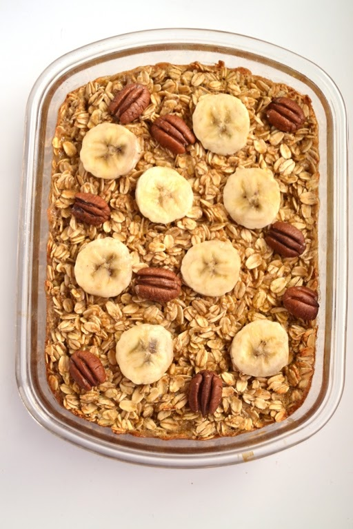 This Salted Caramel Baked Oatmeal topped with bananas and toasted nuts makes the perfect cozy breakfast! It tastes indulgent but is nutritious and filling.
