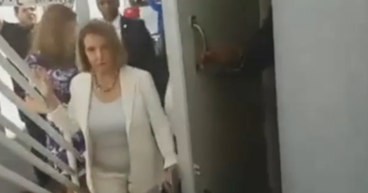 Nancy Pelosi shouted out of a restaurant - by Cuban Americans in Miami