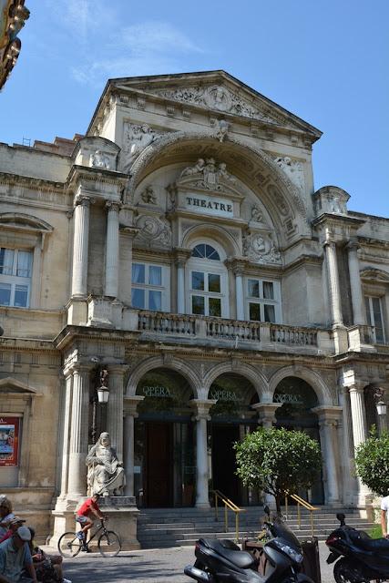 Avignon theater
