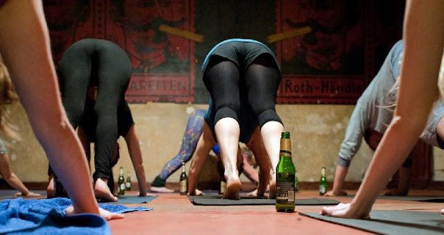 Buka Botolmu, Buka Oplosanmu, Inilah Yoga Unik Sambil Mabuk!