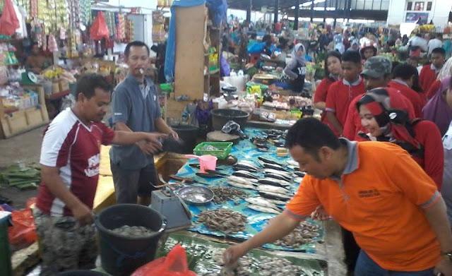 Siap Maju di Pilwalkot Palopo, Sawaluddin Sapa Pedagang Pasar Andi Tadda