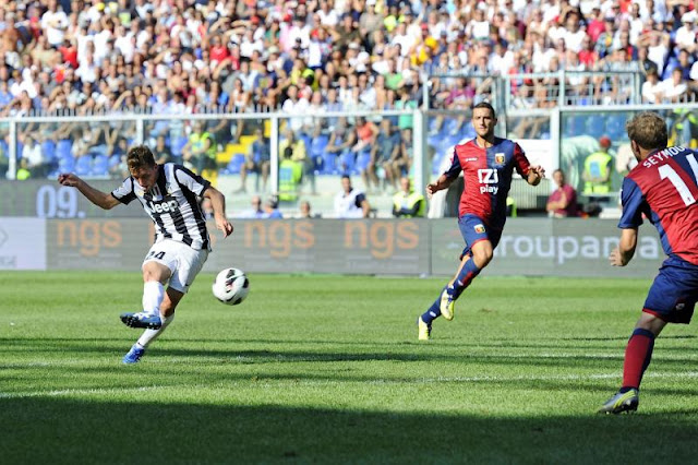 Genoa JUVENTUS Photos