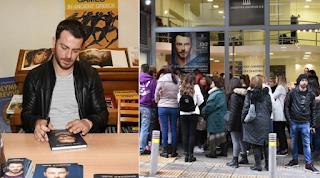 Ουρές κόσμου έξω από το βιβλιοπωλείο για να τους υπογράψει ο… Ντάνος το βιβλίο του (Photos)
