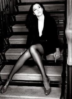 Monica Bellucci Legs Show In Stocking