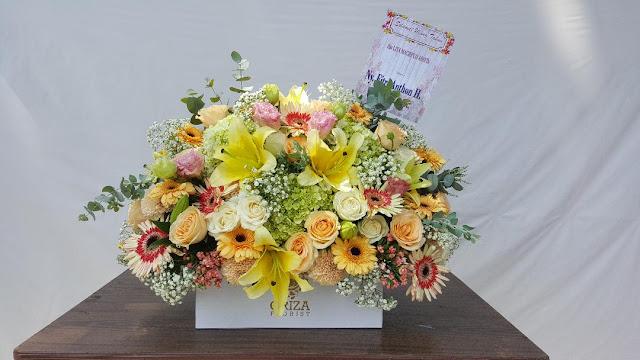 buket bunga mawar di surabaya, buket bunga online surabaya, pesan buket bunga surabaya