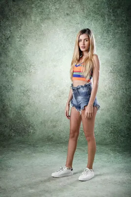 Jeniffer (Nathalia Altenbernd) usa looks justinhos em 'Bom Sucesso'