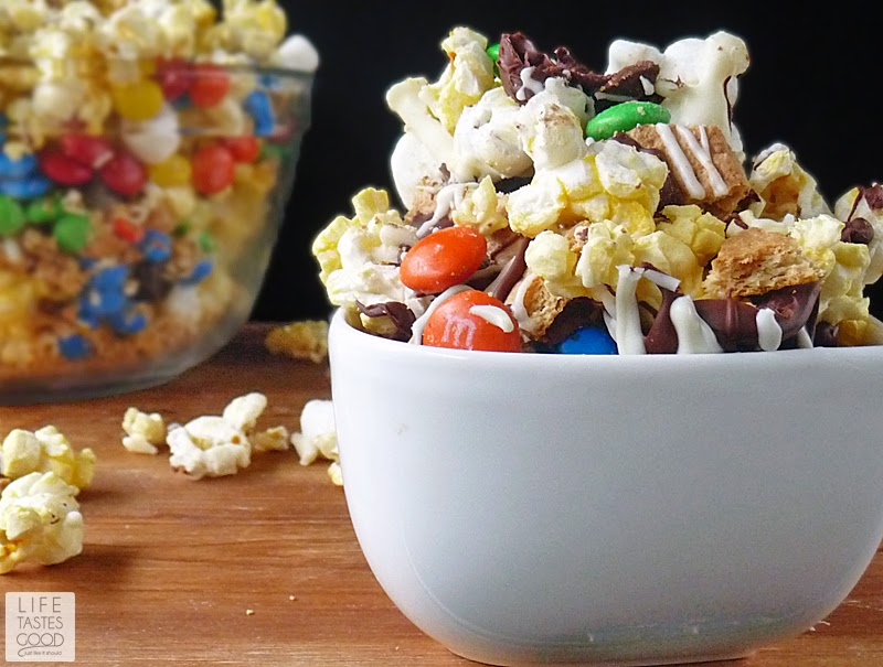 S'mores Popcorn #MovieNight4Less | by Life Tastes Good for the ultimate movie night at home!