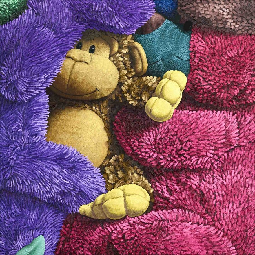08-Close-up-detail-Brent-Estabrook-Realistic-Paintings-of-Stuffed-Animals-www-designstack-co