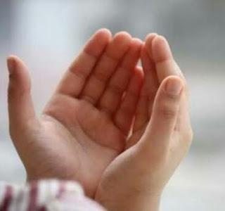 10 Bacaan Doa Agar Anak Kita Jadi Sholeh Solehah