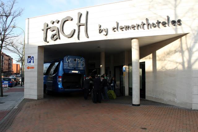 Entrada Täch Hotel Madrid Airport