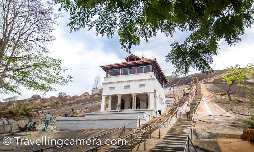 Bus dropped us at the entry gate of Shravanabelagola Temple. There are 648 stairs to reach the temple. Most of the stairs are comfortable, but it's recommended to go slow. I had a little issue halfway. I was feeling dizzy and sat for 10 minutes. There were few doctors in our group, who suggested to take deep breath and I was ok after a while.