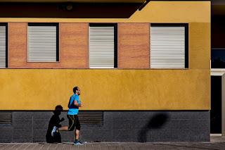pria-sedang-jogging