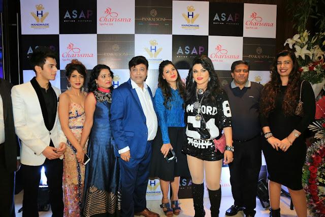 Sidharth Sharma,Iti Acharya,Sangeeta Manjrekar,Manik Soni, Sambhavna Seth, Rakhi Sawant,Shakeel Saifi, Mink Brar