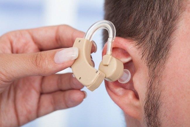 Tips Sehat Menggunakan Alat Bantu Dengar