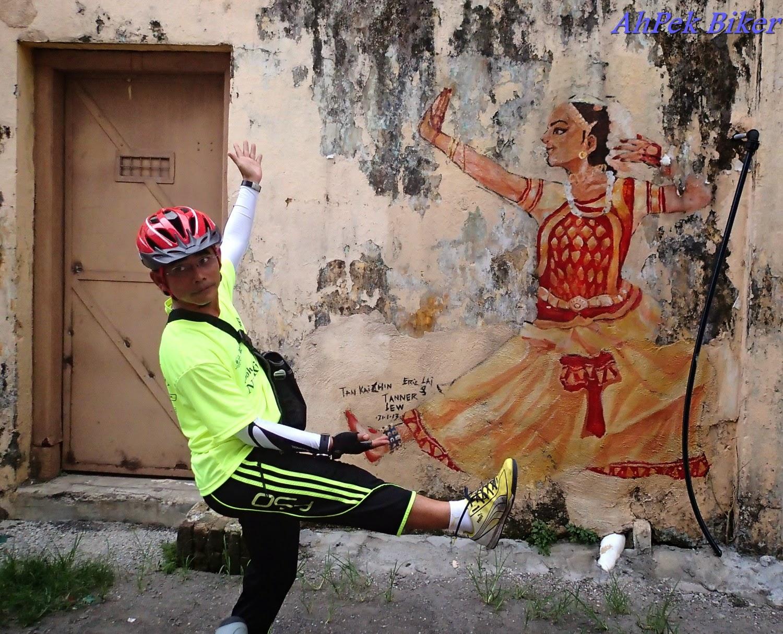 Ahpek biker old dog rides again perak ipoh city nite for 7 mural ipoh