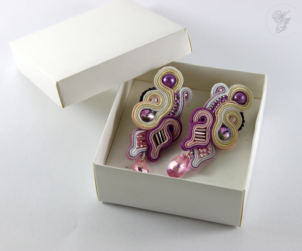 violet and vanilla soutache earrings, soutache handmade jewelry, swarovski, pearls