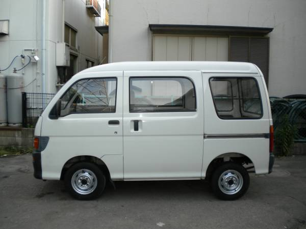 Dream Machine #001: Daihatsu Hijet